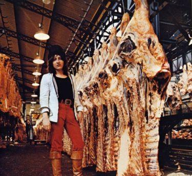 """М.Шемякин на рынке """"Чрево Парижа"""" 1972 г."""